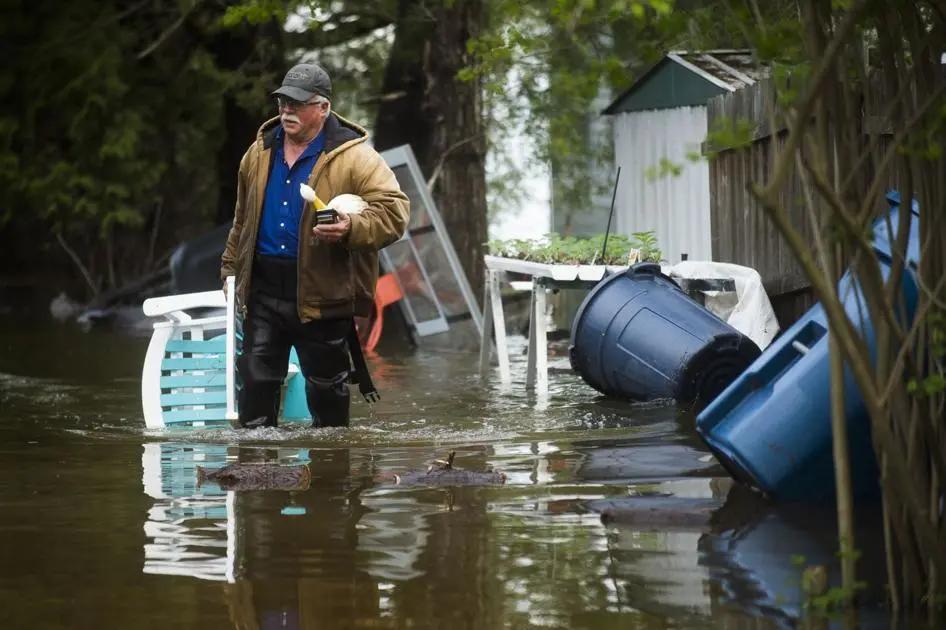 密歇根州大坝溃堤,引发严重洪灾