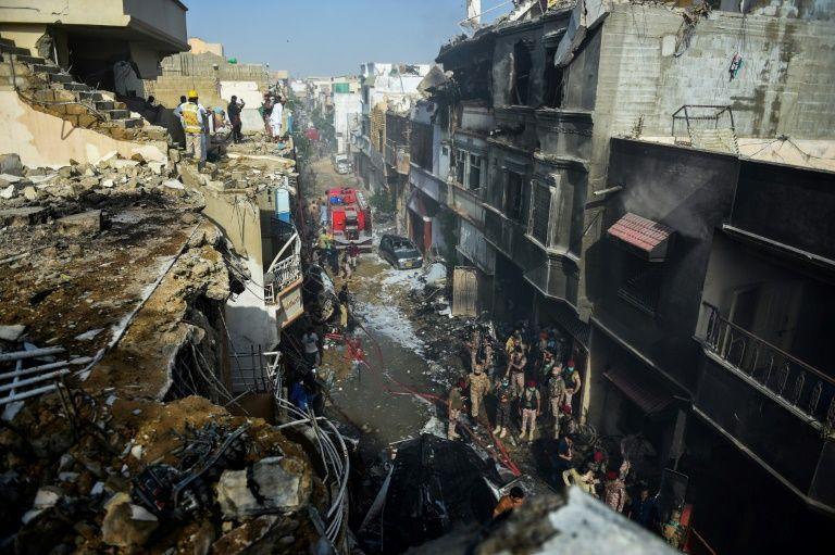巴基斯坦居民区空难已搜索到40多具罹难着尸体