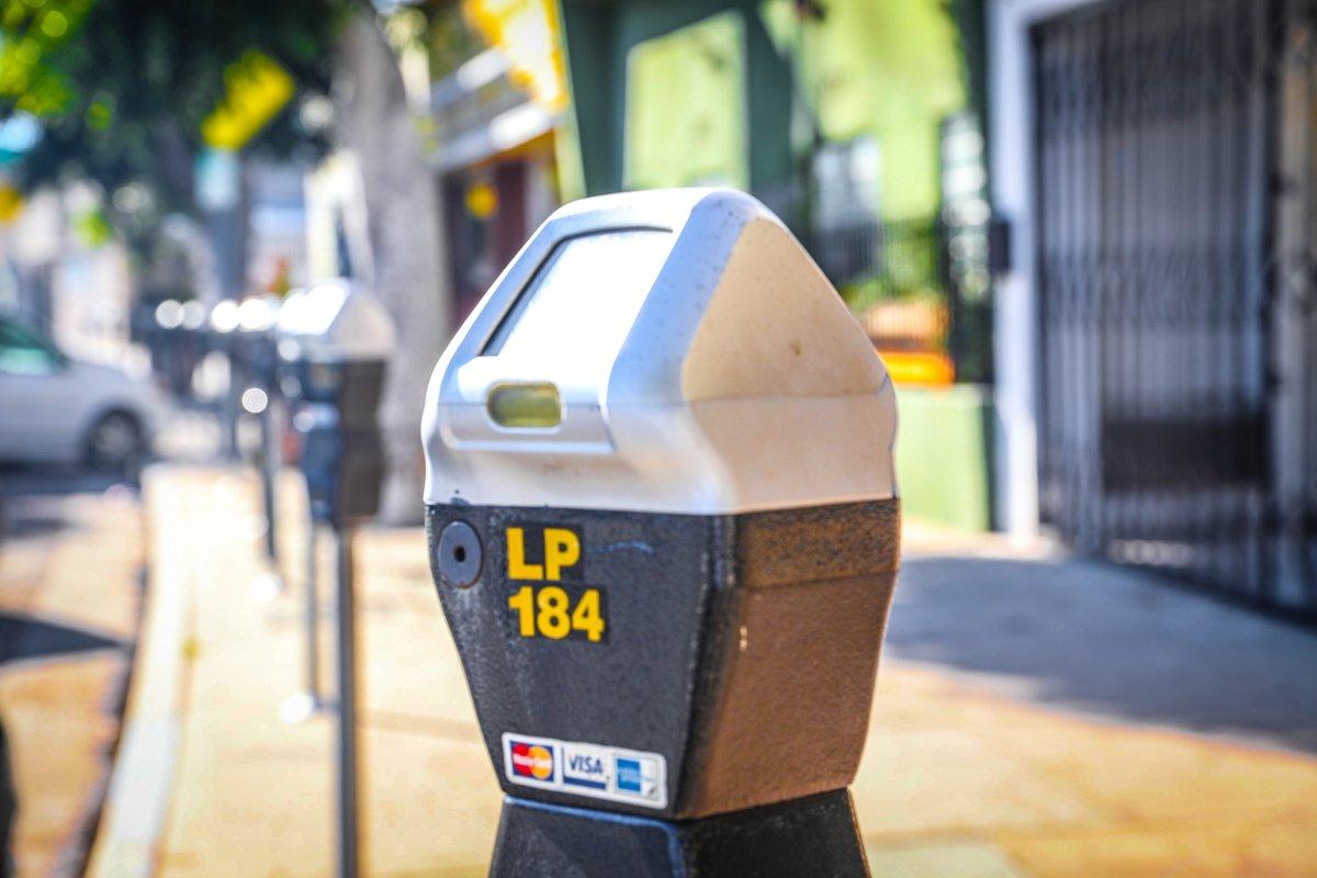 洛杉矶从7月6日起恢复部分违章停车执法