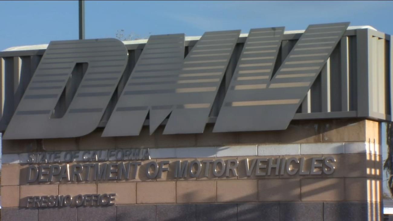 加州DMV给予驾照过期的70岁年长者自动延续一年有效期