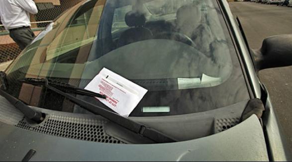 洛杉矶市将宽松路边停车规定延长至8月16日
