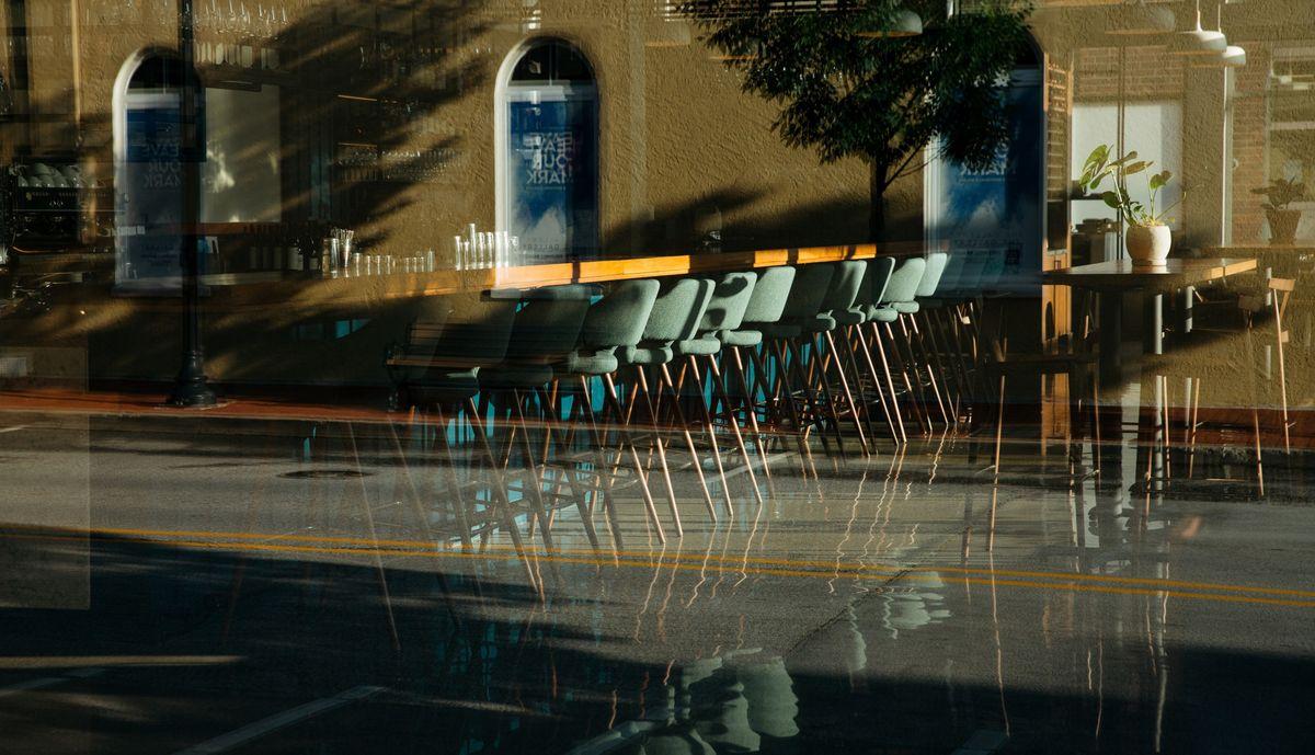 美国餐饮业受新冠疫情冲击,多达23.1万家餐厅面临永久停业
