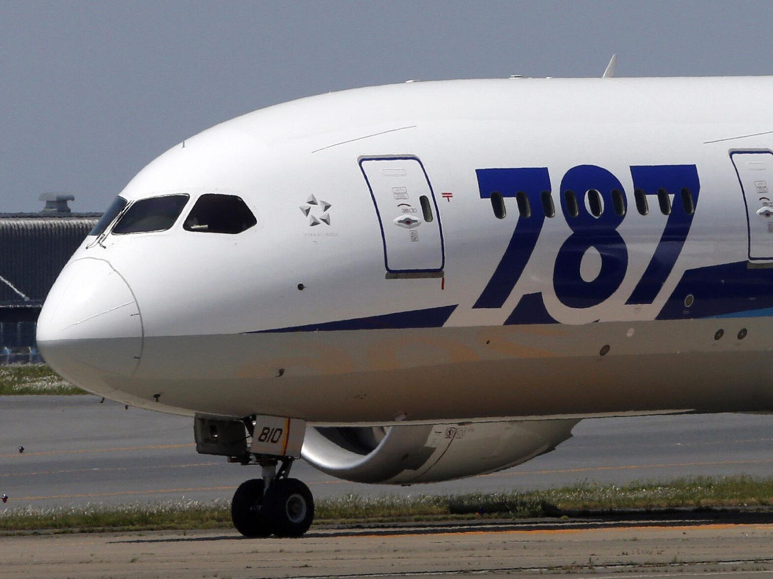 波音公司发现波音787客机有两处明显的制造缺陷