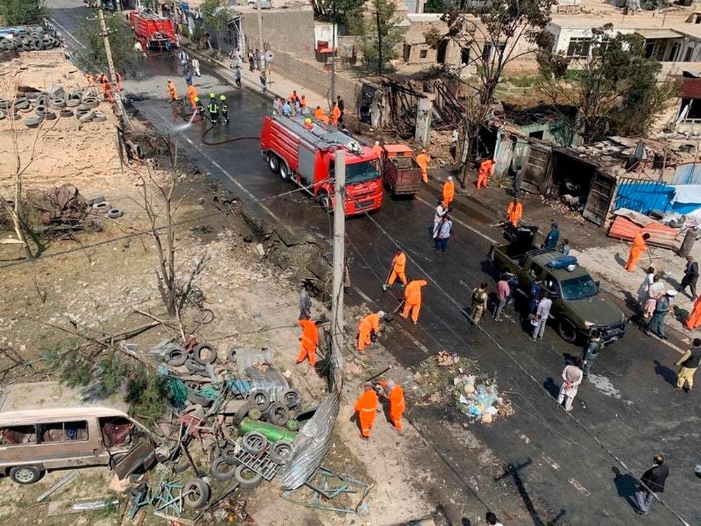 阿富汗副总统沙雷的车队遭爆炸袭击,至少6人死亡