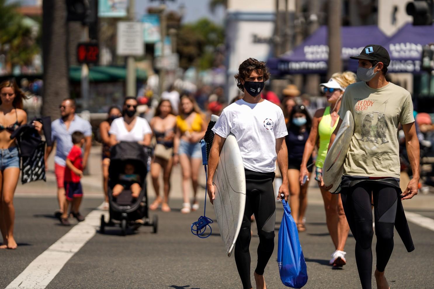 劳工节后洛杉矶县和橙县新冠疫情保持平缓