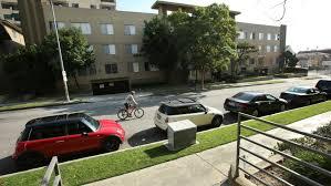 洛杉矶市将从10月15日起恢复街边违章停车执法