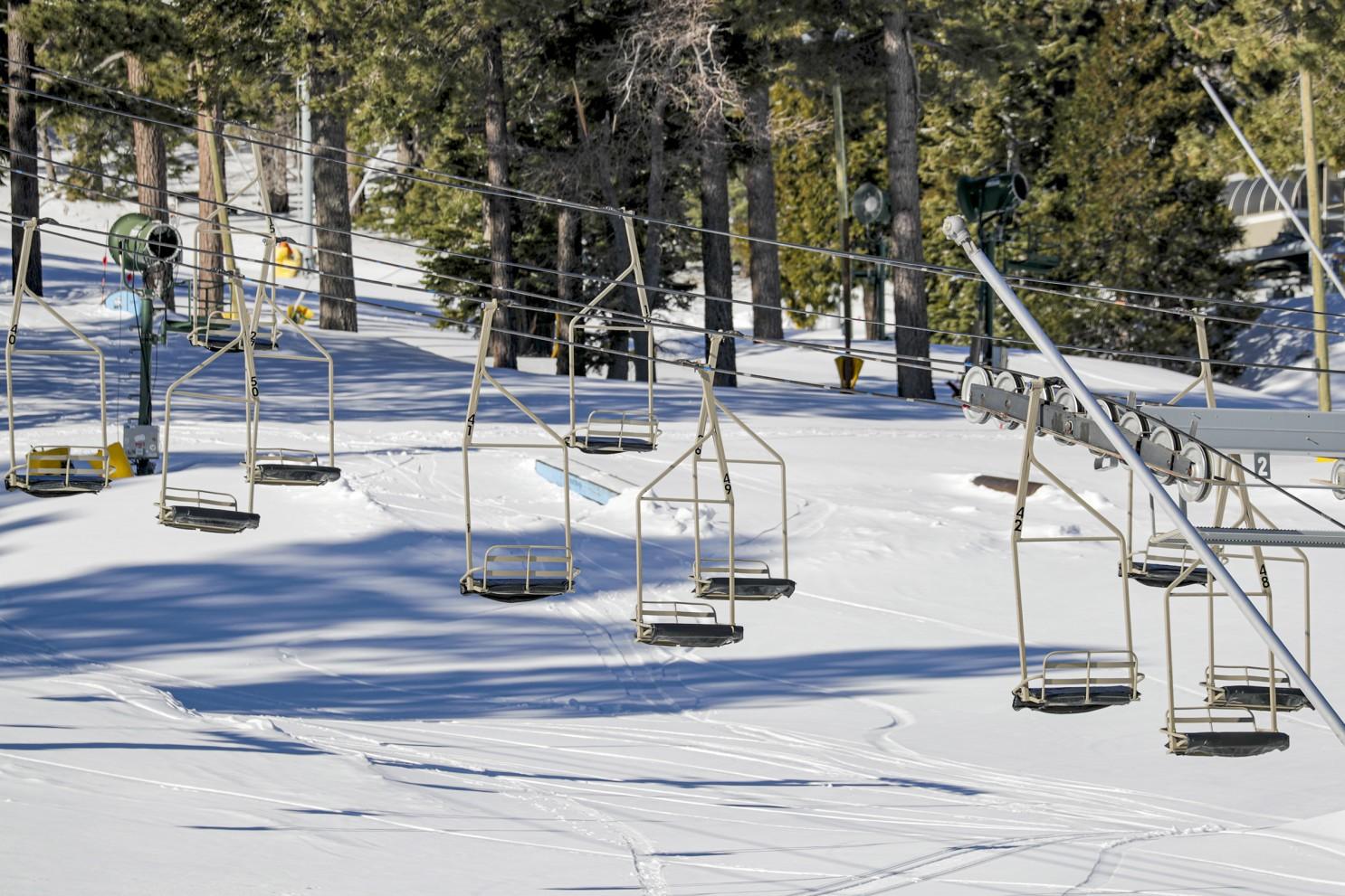 圣伯纳迪诺县高山雪场4名工作人员感染新冠
