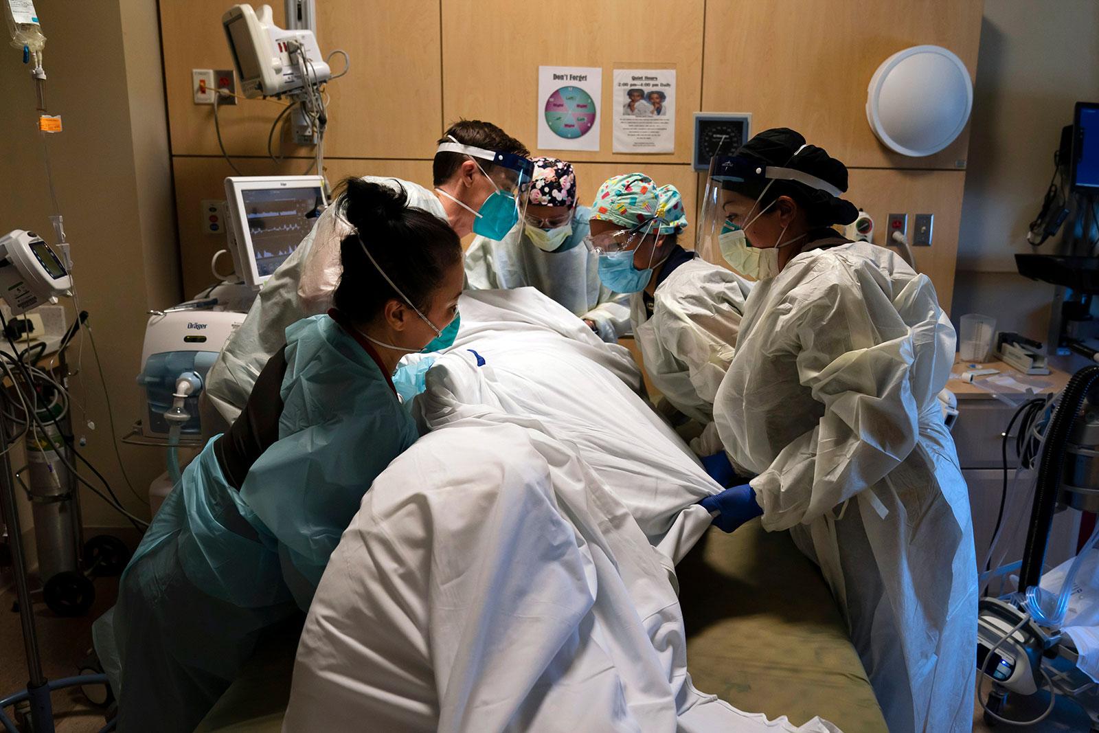 11/30美国疫情更新:莫德纳疫苗申请FDA紧急授权;加州ICU病房近饱和 州长拟重施居家令