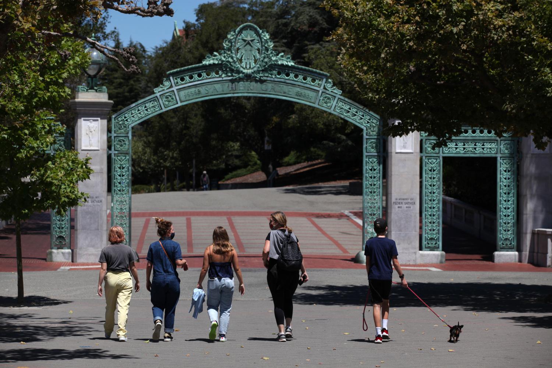 加州大学系统延长秋季入学申请截止日期至12月4日