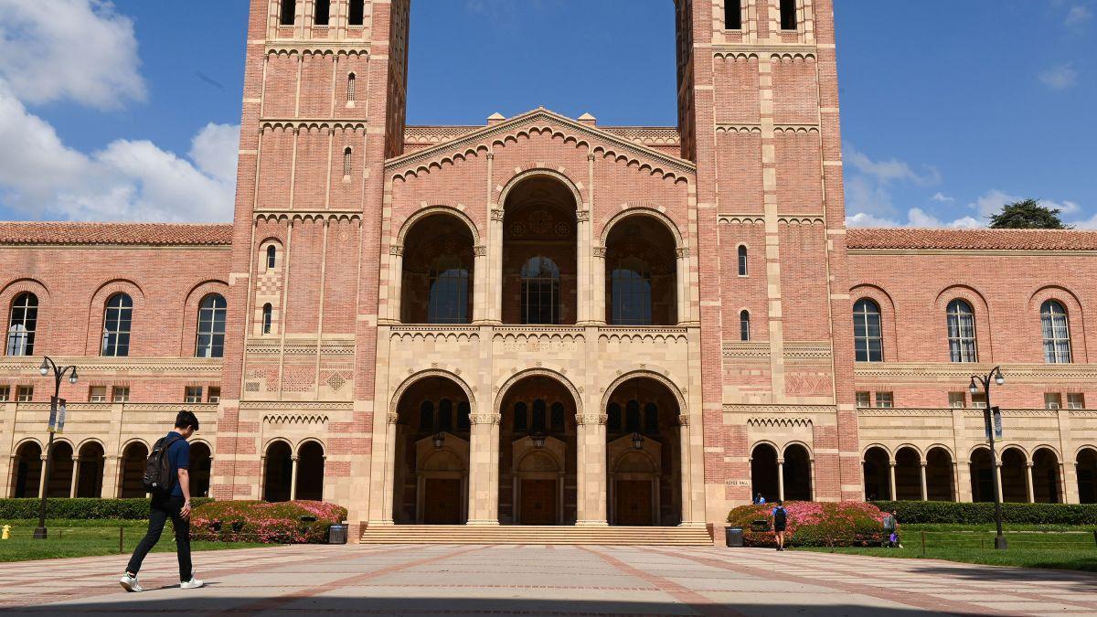 加州大学系统计划明年秋季将可恢复全面返校上课