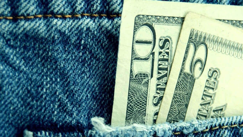 美国半数州周五将提高最低工资,多家企业宣布将为员工加薪