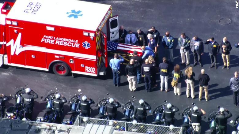 佛罗里达发生枪战!2名FBI探员死亡,另有3名受伤