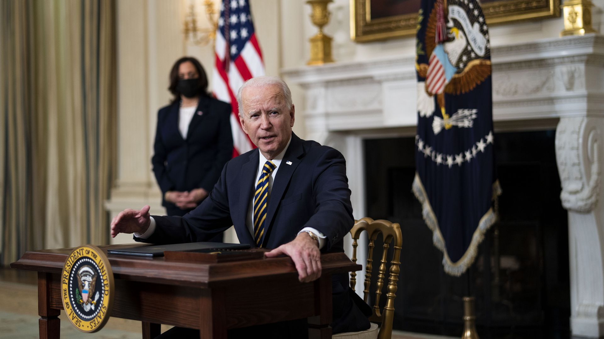 拜登周三撤销特朗普一项移民禁令