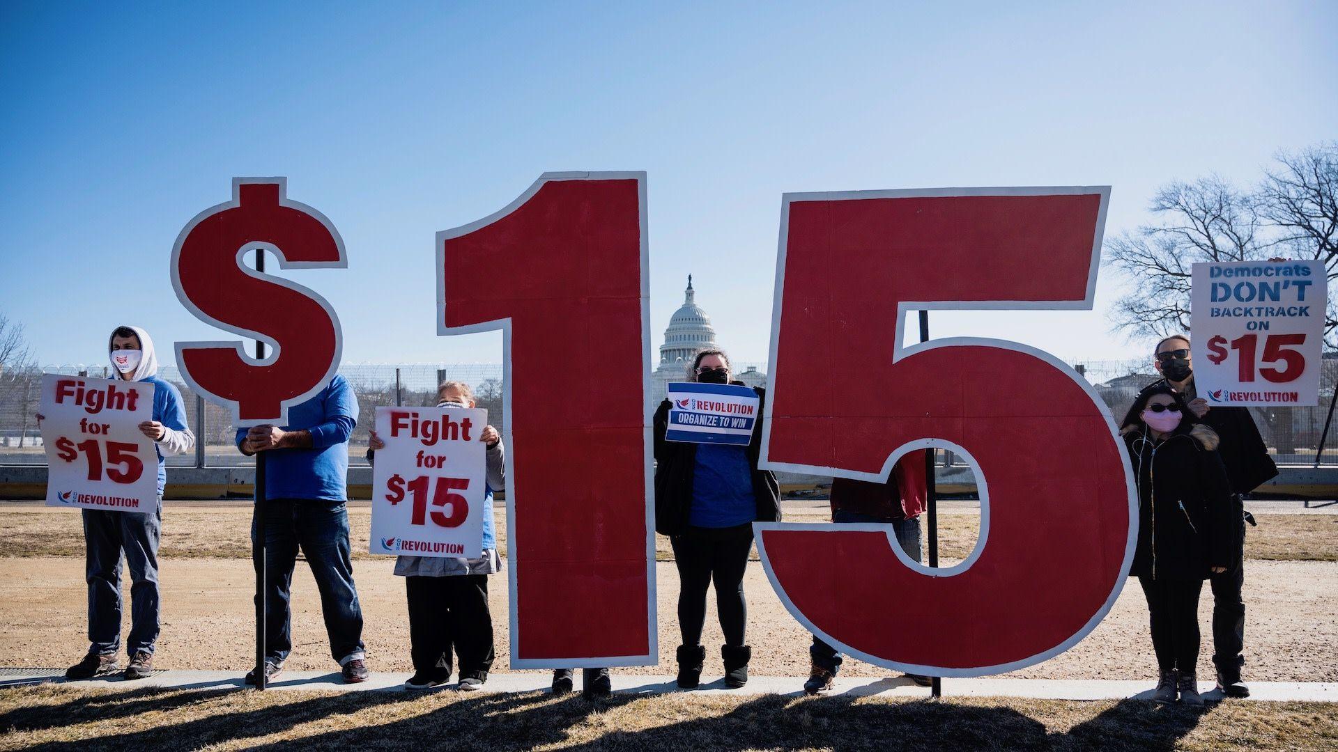 参议院裁定不能将最低时薪纳入新一轮纾困法案