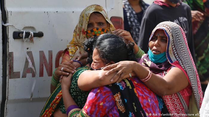 印度19日新冠确诊暴增273,810例,累计确诊突破1500万
