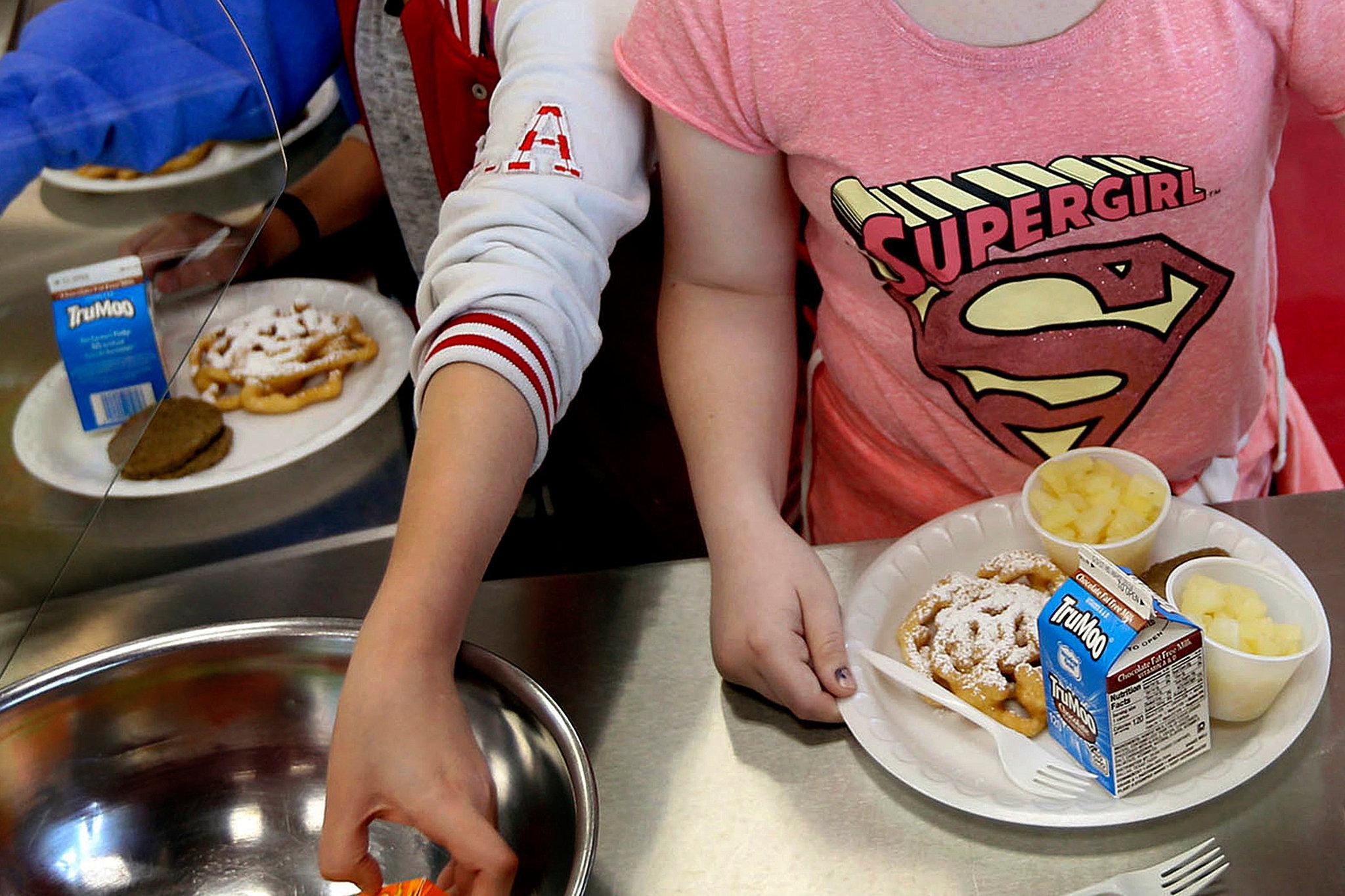 美国农业部宣布将为超3000万低收入家庭学童提供免费午餐