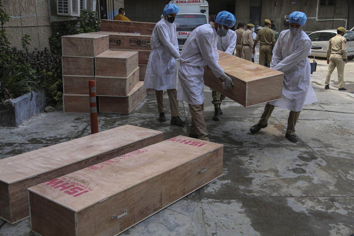 印度单日新冠死亡达4529人再次刷新最高纪录