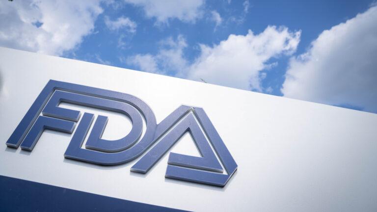 FDA批准治疗肺癌新药 针对突变类型