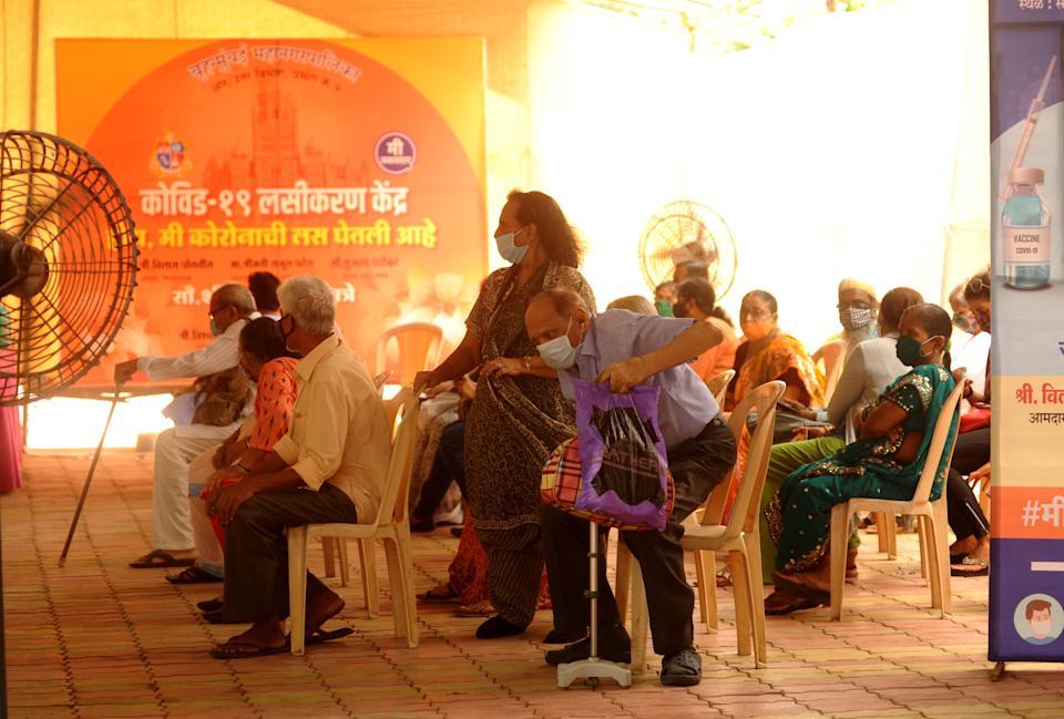印度24小时新增新冠死亡6148例,创下全球单日最高