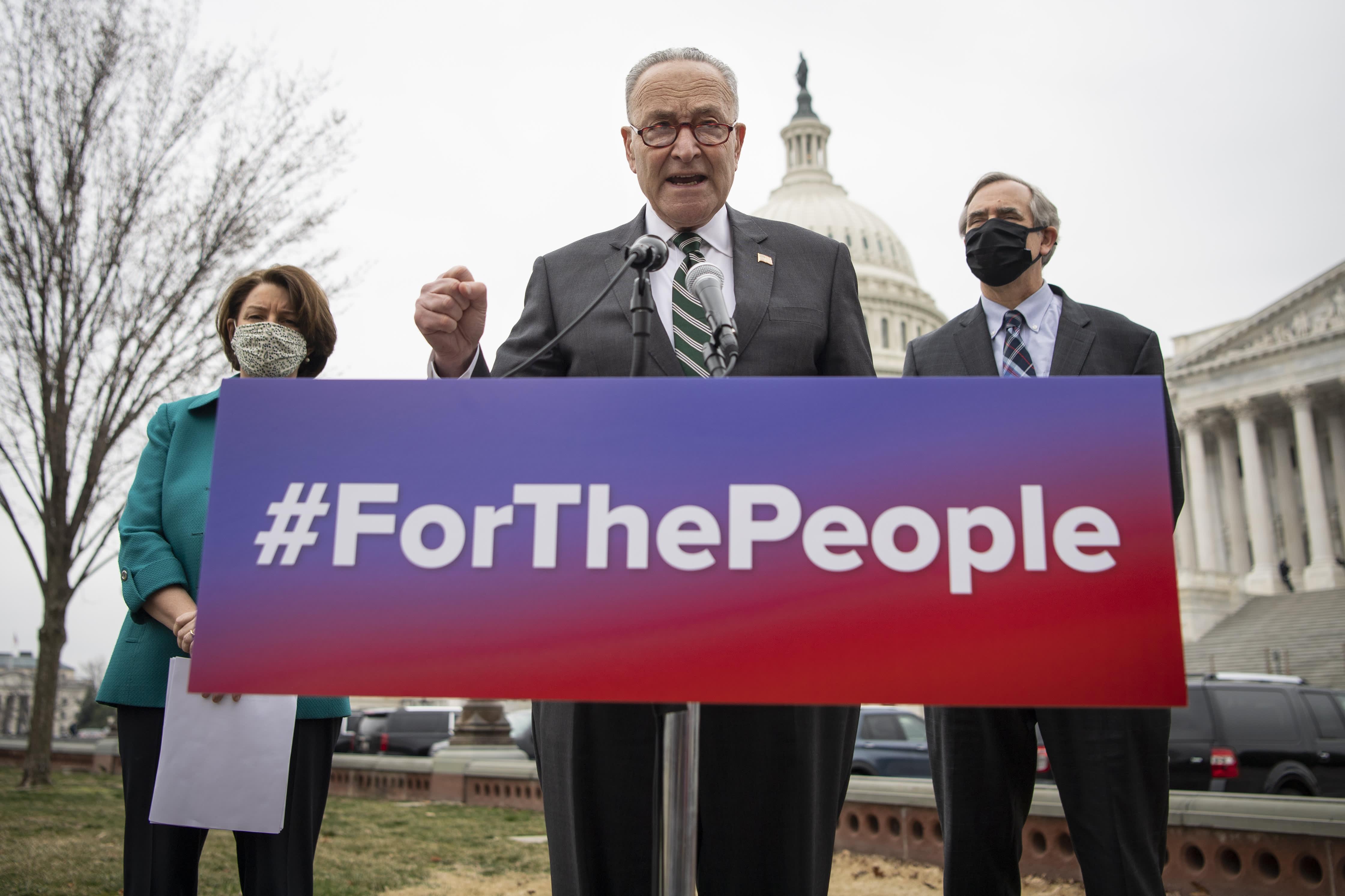 """民主党提""""为人民法案"""" 以抗共和党的限制投票法"""