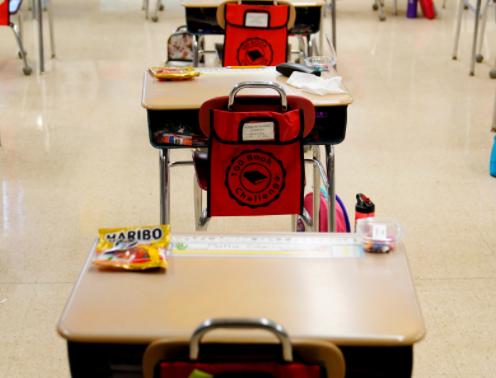 CDC:完成疫苗接种的教师和学生可以无需在教室内佩戴口罩