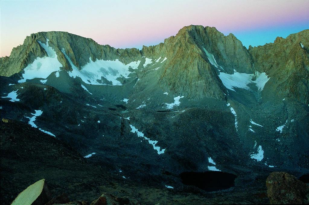 加州生态失衡导致塞拉山脉积雪几乎不复在