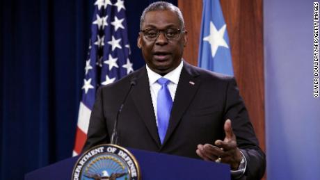 美国国防部长奥斯汀首度访问新加坡