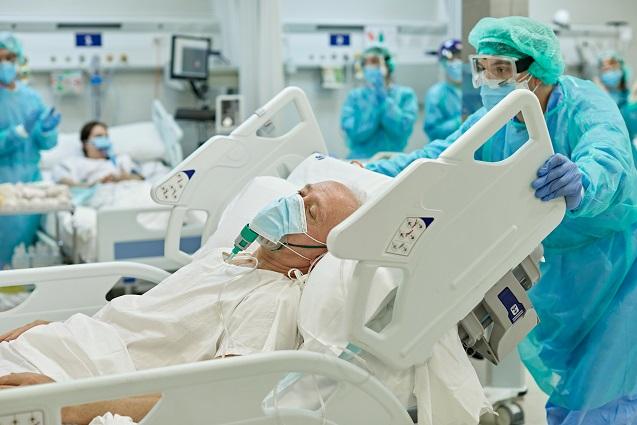 8/4美国疫情更新:德尔塔变种占全美新增病例93%;全美近56000名新冠患者住院,为2月以来最高数值