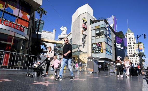 好莱坞行人流量较三个月前增加164%,酒店入住率提高约50%