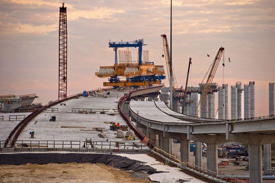参议院通过 1 万亿美元的基础设施法案,拜登赢得两党支持
