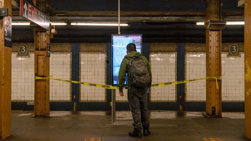 """""""艾达""""飓风已导致纽约市造成9人死亡,市长指责预报失准让政府猝不及防"""