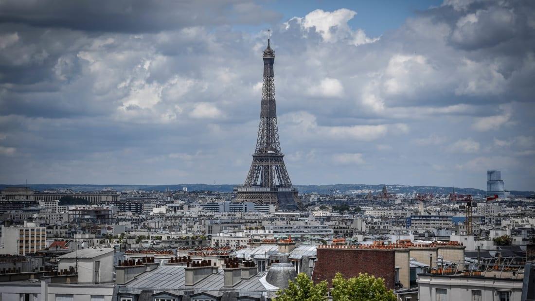 法国限制未接种疫苗的美国旅客入境