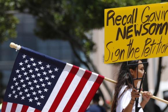 洛杉矶县提前增设253个投票所应对州长罢免选举