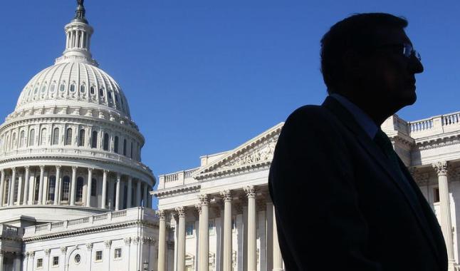 白宫惊现断粮局面 参议院紧急下水救人