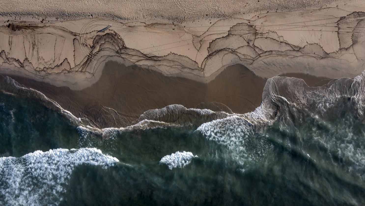 海洋基金会:当局未能及时发现亨廷顿海域石油外泄实属荒诞