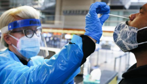 英国新冠确诊病例急遽攀升,专家怀疑与变种病毒Delta+有关